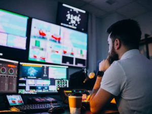 How To Use a Program Scheduler in TV Broadcasting